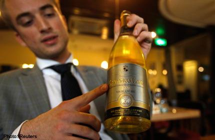 20130718.162602_china-wine-reuters