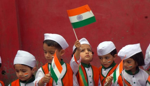 INDIA-POLITICS-INDEPENDENCE-FLAGS