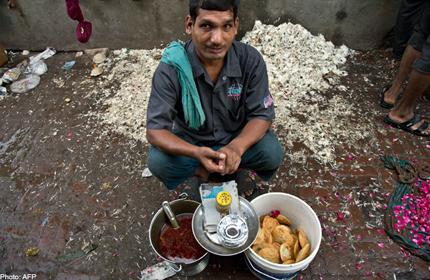 INDIA-ECONOMY-STREET-FOOD