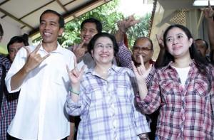 Jokowi Dampingi Megawati dan Taufiq Kiemas